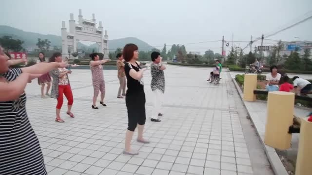 Rural China: Street dancing mothers